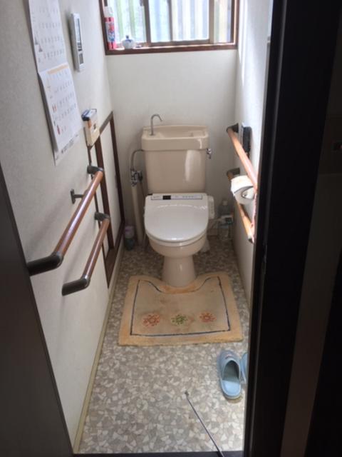 写真:施工前のトイレ